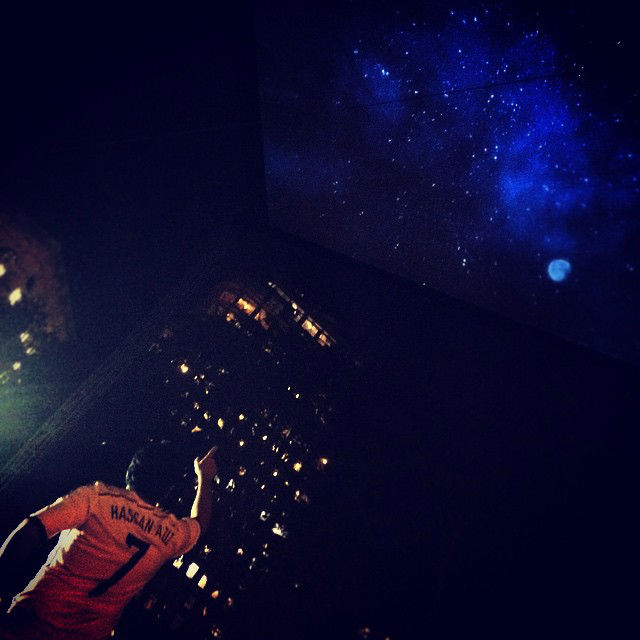 Graphics-eMotion-New-York-Stars-Projection-Mapping-007